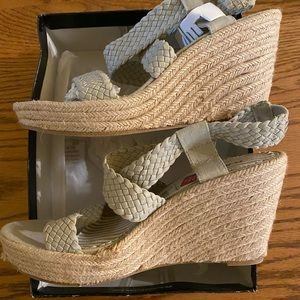 NEW Rampage Flynn Natural Fabric Wedge Sandals 9.5